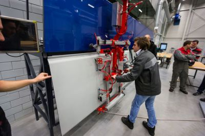Foto: Bram Saeys. TNO Automotive Helmond, AFB Manufacturing Proces Lab BV