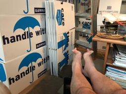 kromme tenen, lege dozen